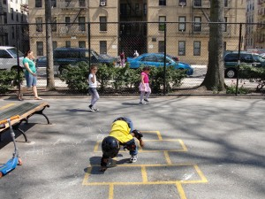 Learning how to hopscotch