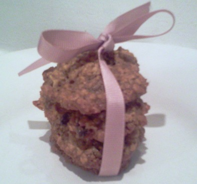 These oatmeal raisin cookies (the recipe is from Chef Jerry Montañez, who was a chef/baker at Gracie Mansion) are the best oatmeal raisin cookies that I have ever tasted in my life.