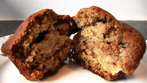 Awesome Applesauce Apple Muffins Recipe (That the Entire Family Will Love)