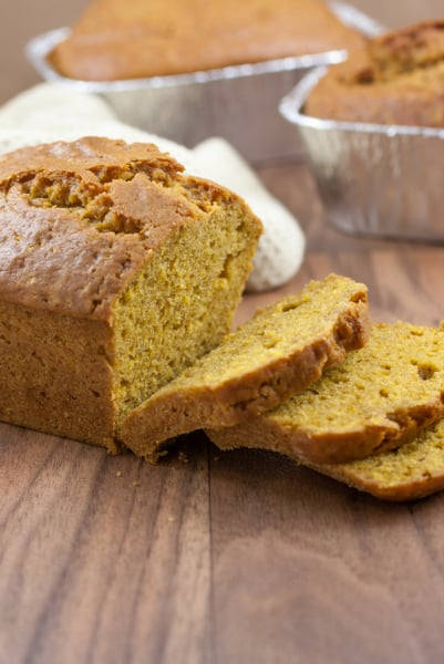 pumpkin spice bread recipe (with canned pumpkin) that is easy to make