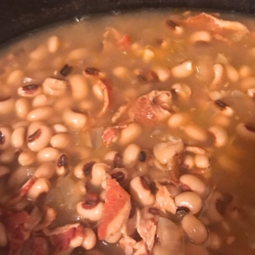 Southern Slow Cooker Black-Eyed Peas Recipe With Bacon